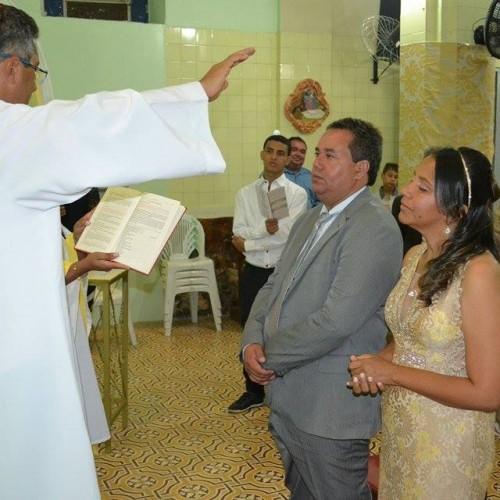 GENTE EM EVIDÊNCIA | Casamento do vereador Luciano e a bioquímica Cláudia, em Simões