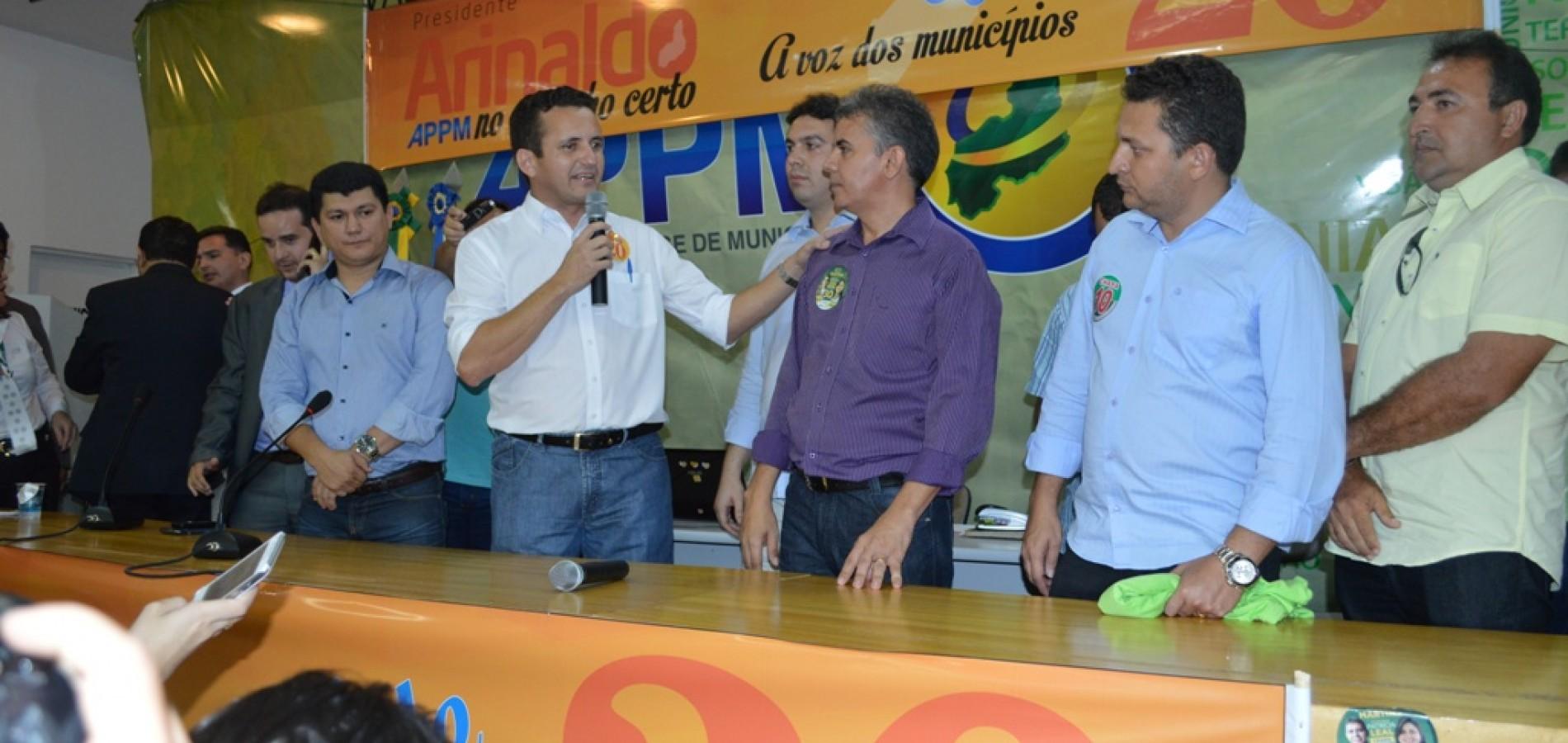 Arinaldo Leal, prefeito de Vila Nova do Piauí, é reeleito presidente da APPM; veja fotos