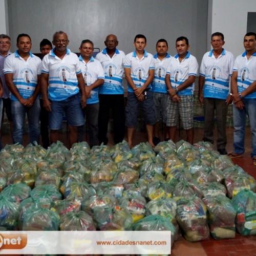 JAICÓS | Ação solidária dos 'Homens do Terço' leva alimento a famílias carentes