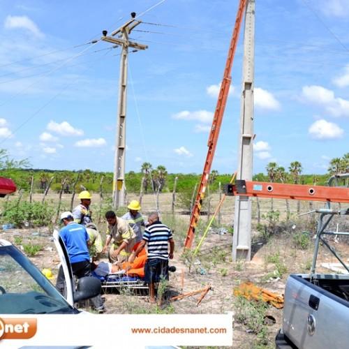 Eletricista morre após sofrer descarga elétrica em serviço em Jaicós; veja fotos