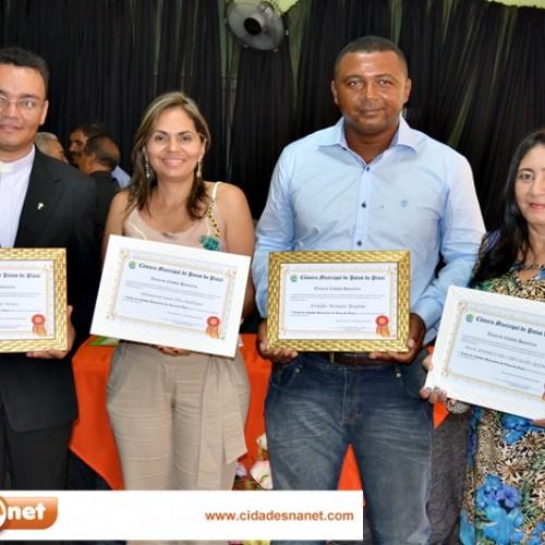 FOTOS | Sessão solene de entrega de título de cidadania em Patos do PI