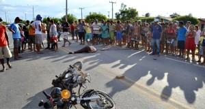 JAICÓS | Homem morre em acidente entre carro e moto na BR 407 e criança sai ilesa