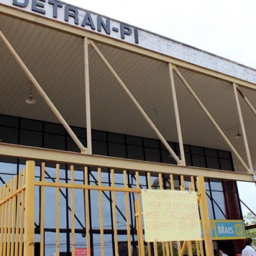 Falha suspende atendimento no Detran por três dias, mas serviço normaliza