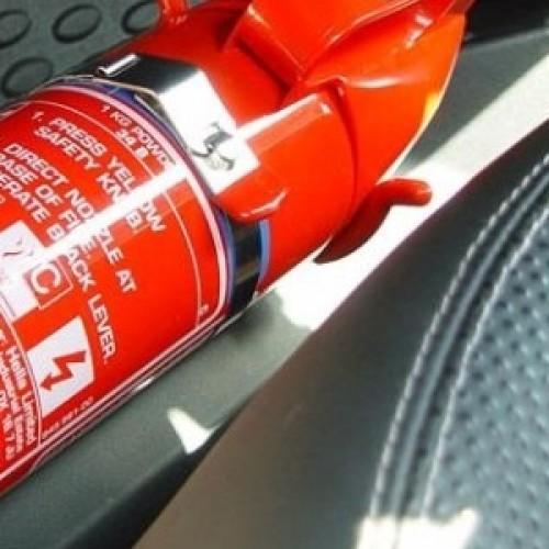 Nova Lei: carros com dez anos ou mais precisam trocar extintor