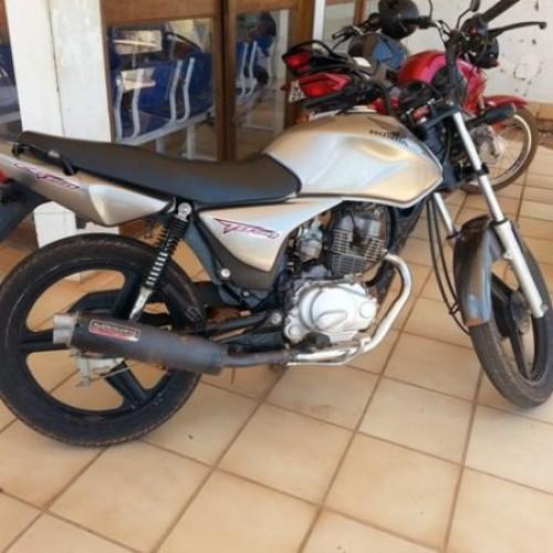 Polícia de Santana do PI recupera moto furtada em Bocaina