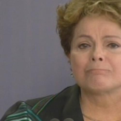 Relatório final sobre ditadura é entregue e faz Dilma chorar