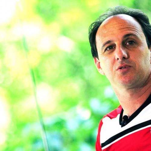 Com quase 42 anos, Ceni sorri como nunca e aprova grupo da Libertadores