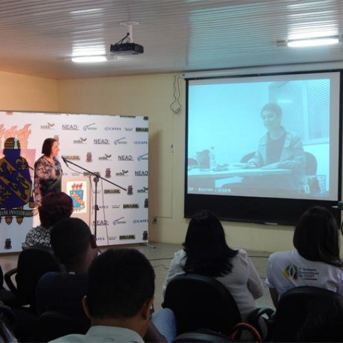 UESPI realiza videoconferência com a jornalista Sandra Annenberg