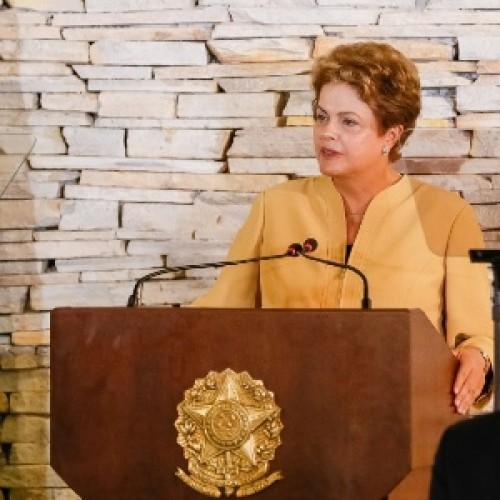 Dilma precisa explicar o que sabia sobre Petrobras, diz FT