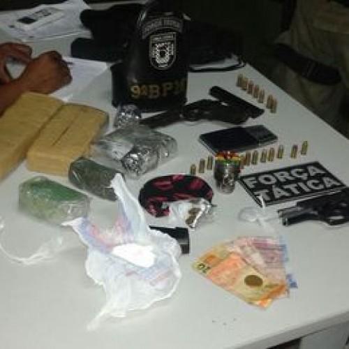 Grupo faz festa para comemorar chegada de droga e nove são presos