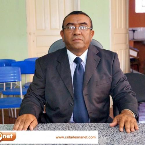PATOS | Adalberto é eleito e empossado presidente da Câmara Municipal