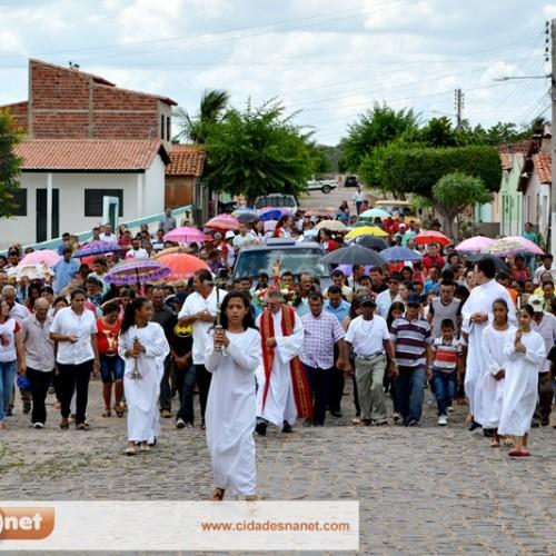 PATOS | Fiéis lotam igreja e celebram a festa do padroeiro São Sebastião