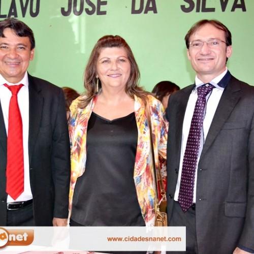 Luiza assume a Prefeitura de Massapê do PI; governador Wellington Dias participa e já autoriza obras; veja fotos
