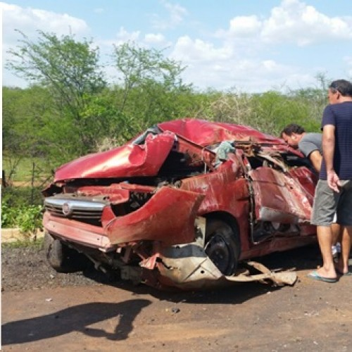 Filho de ex-vereadora de Campo Grande sofre acidente da BR 316 e carro fica destruído; veja fotos
