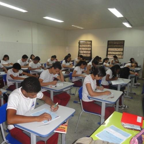 Maioria das cidades do Piauí paga piso salarial aos professores, diz MEC