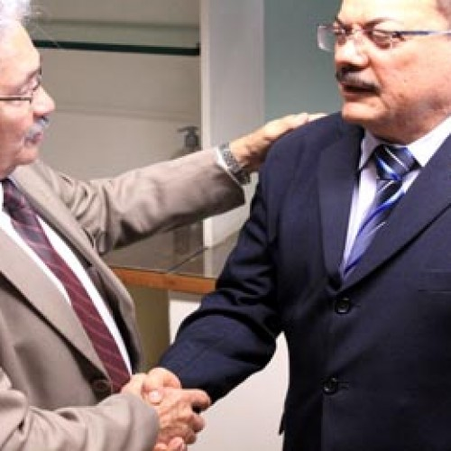 Presidente do TJ-PI recebe visita do senador Elmano Férrer
