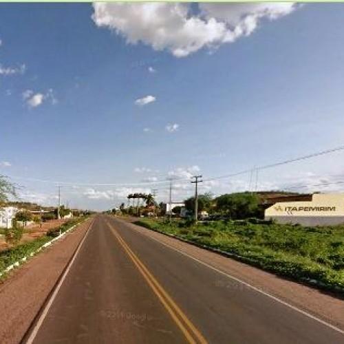 Dupla diz que pneu da moto furou e assalta jovem em Picos