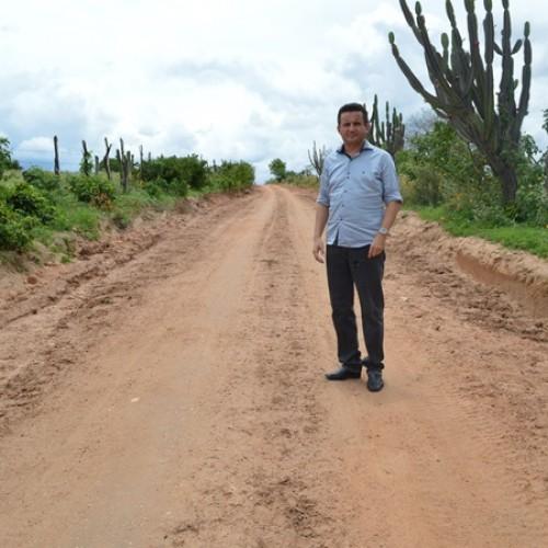 VILA NOVA | 47 km de estradas vicinais estão sendo piçarradas