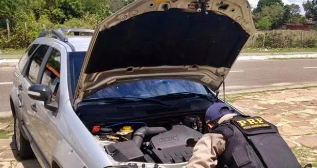 PRF prende garçom dirigindo carro roubado no interior do Piauí