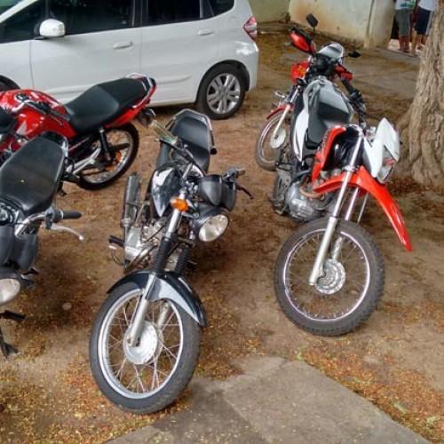 Polícia apreende 11 carros roubados e prende nove pessoas no Piauí