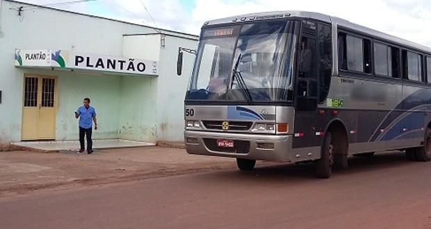 Dupla armada invade ônibus com 20 passageiros e faz arrastão no Piauí