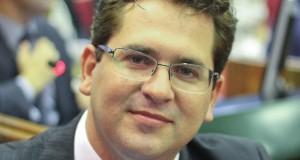 Deputado propõe piso salarial para nutricionista no Piauí