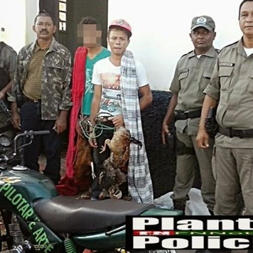 Policia prende dupla suspeita de fazer arrastão em fazendas de Jacobina do Piauí