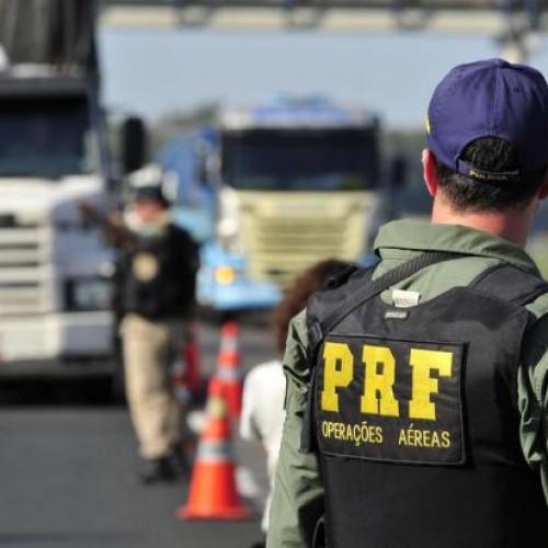 PRF registra quase mil autuações e prende 9 nove pessoas no fim de semana