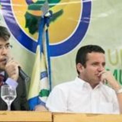 Prefeitos piauienses aprovam novo convênio para Transporte Escolar