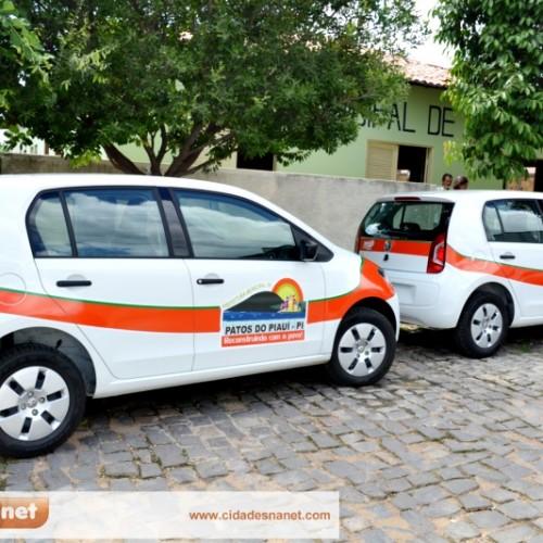 PATOS | Prefeito Agenilson Dias entrega dois novos veículos. Veja!