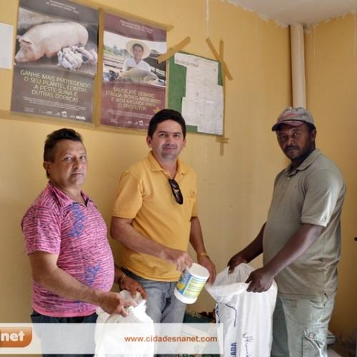 Prefeitura de Belém distribui meia tonelada de semente entre agricultores