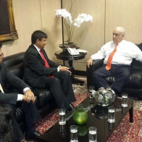 Governador busca recursos para BRs no Piauí