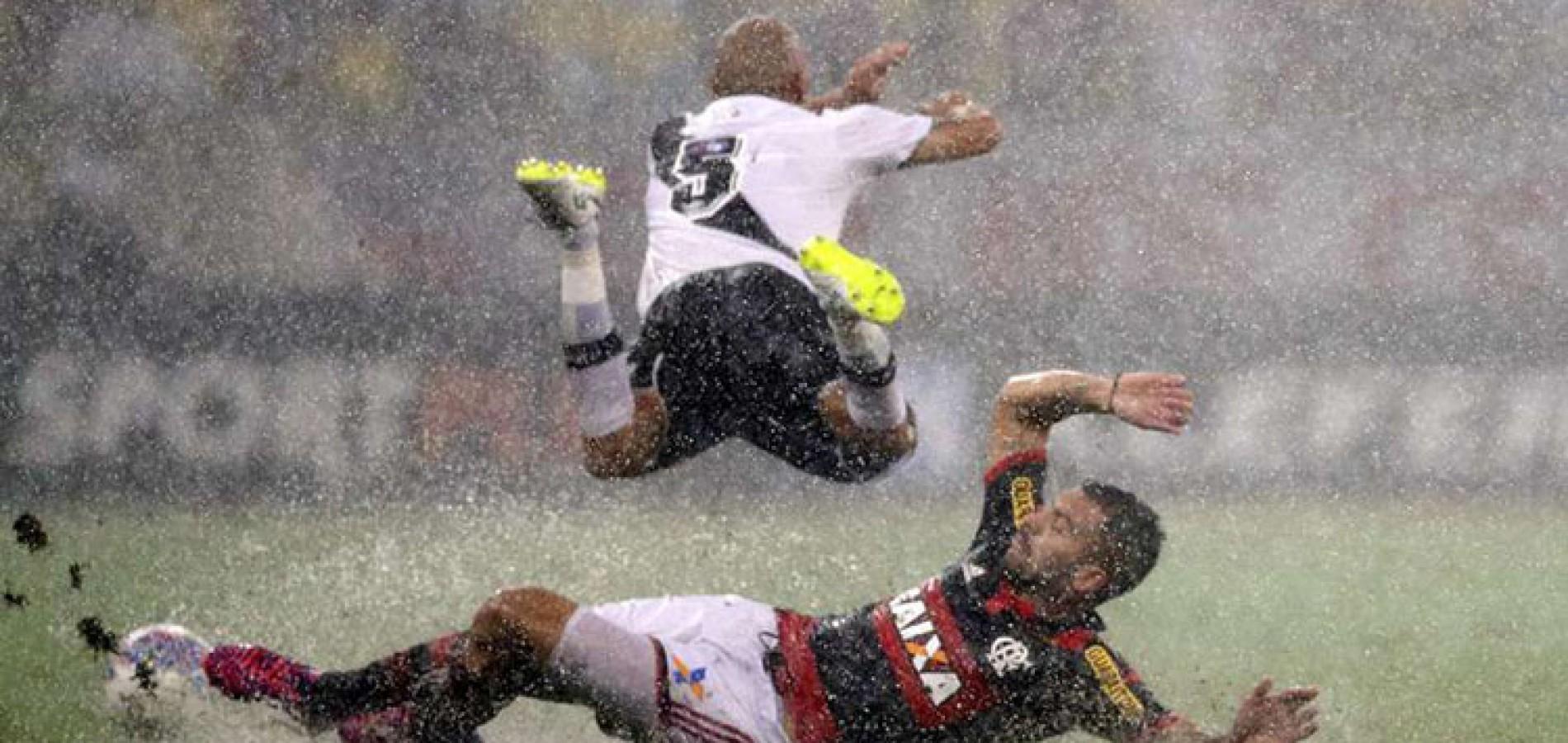 Carioca: Flamengo bate Vasco em jogo com dilúvio e 4 expulsões
