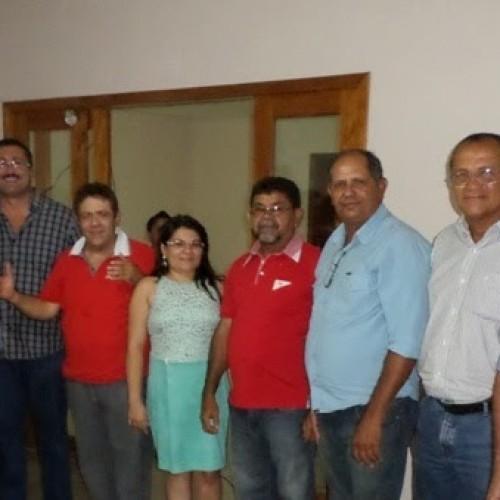 SIMÕES | Vereadora da oposição adere ao grupo político do ex-prefeito Edilberto