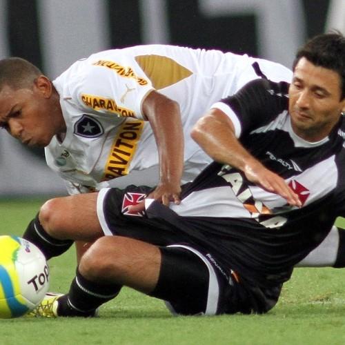 Vasco e Botafogo empatam no Maracanã e deixam Fla isolado na liderança