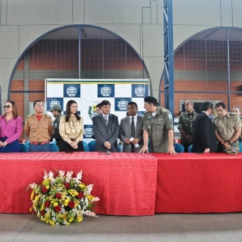 Wellington Dias entrega 60 viaturas para Polícia Militar