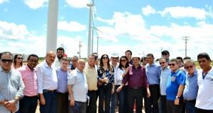 Governador e deputados visitam parque eólico nas cidades de Simões e Marcolândia
