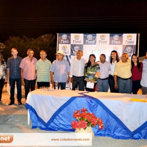 Vice-governadora visita Várzea Queimada e autoriza projeto para asfaltamento; veja fotos