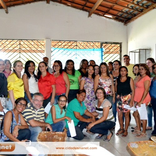 JAICÓS   Secretaria de Educação realiza seminário escolar para elaboração do PME
