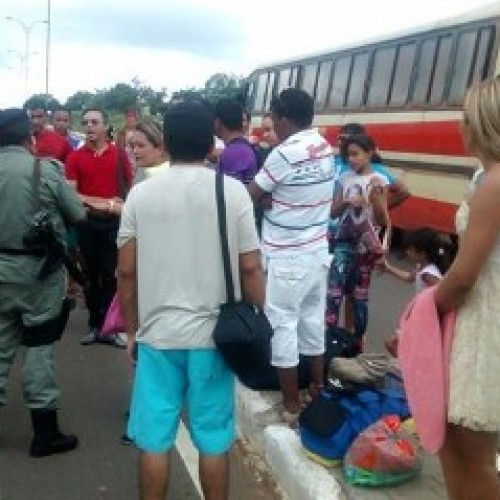Passageiros ameaçam queimar ônibus em Valença