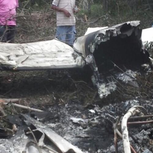 Avião suspeito de transportar droga cai no interior do Piauí; veja fotos