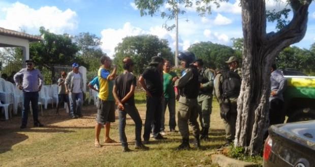 Voluntários intensificam buscas por ex-prefeito desaparecido em São Julião