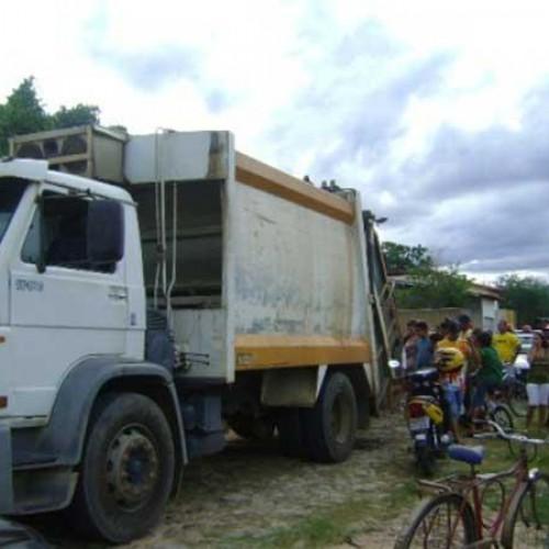 Corpo de bebê é encontrado dentro de carro de lixo no Piauí, numa sacola