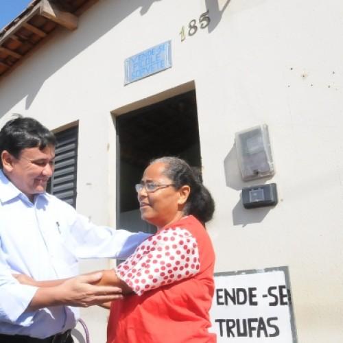 Wellington Dias inaugura obras em Ipiranga do Piauí