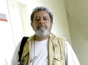 Fotógrafo apanha durante manifestação por ser parecido com Lula