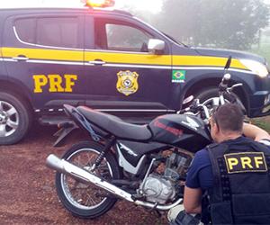 PRF-PI recuperam moto clonada na divisa do PI com o Ceará