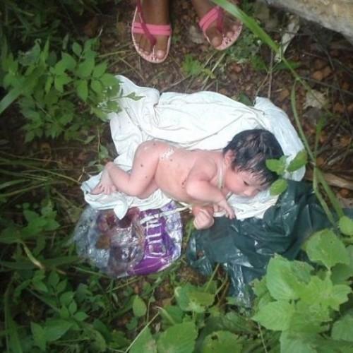 Recém-nascido é encontrado vivo dentro de saco plástico no interior do Piauí