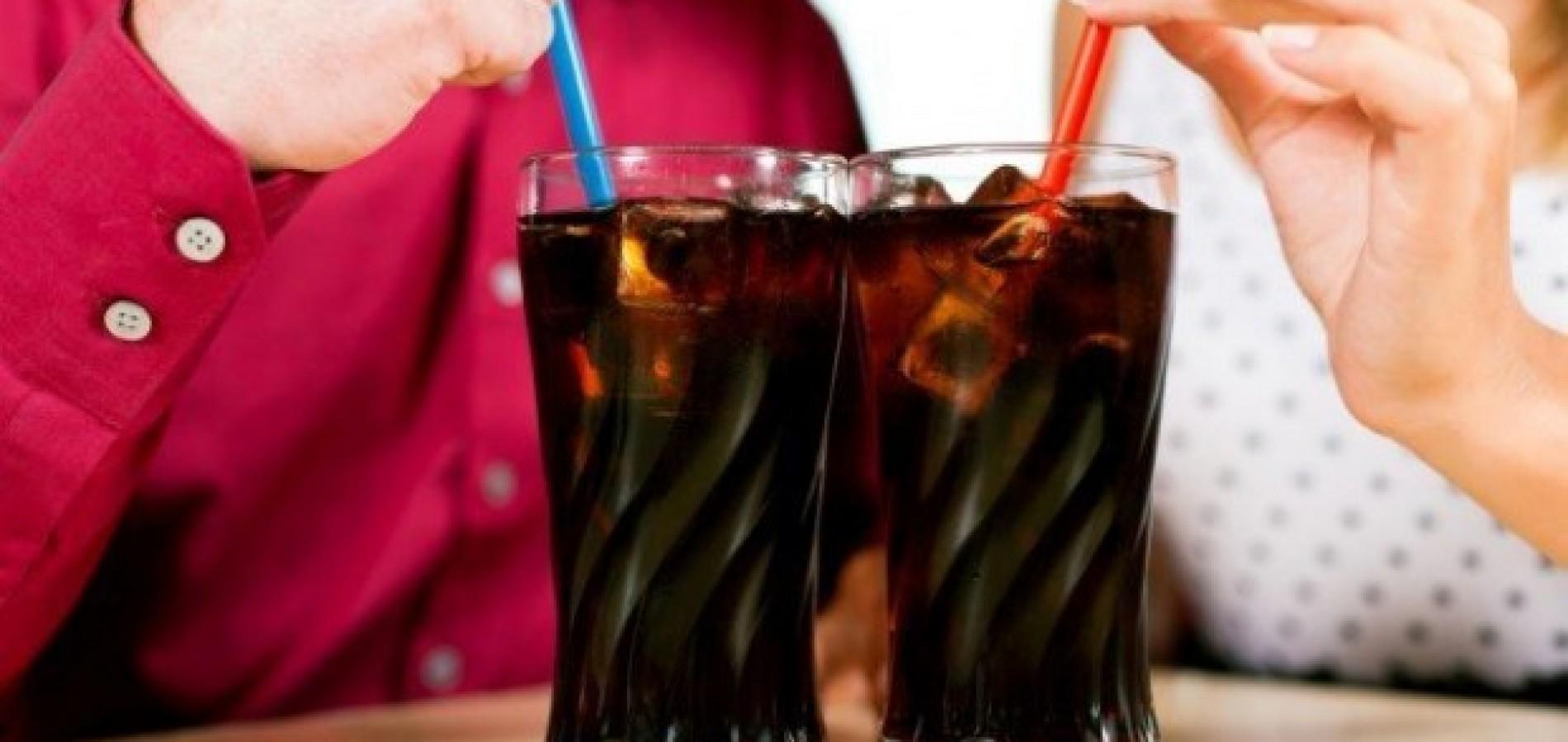 Indústrias de refrigerante não farão mais propaganda para crianças