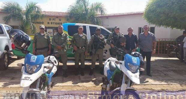 Grupamento de Simões recebe nova viatura da Polícia Militar