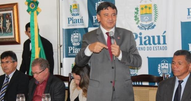 Wellington Dias vai premiar com 14º salário escolas com melhores Ideb